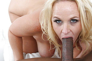 Dirty MILF Dee Siren likes to fuck and suck taking cum from men that are not her husband.